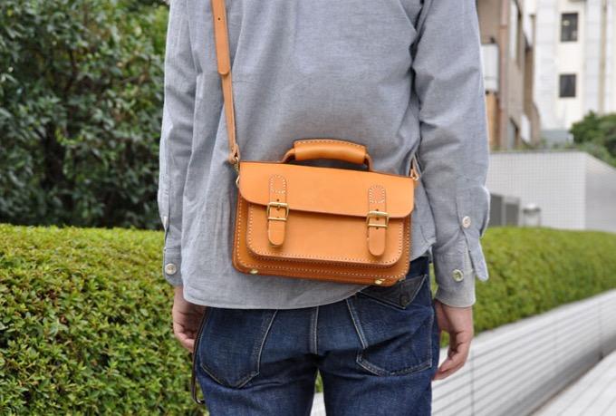 二本ベルトの2wayミニバッグ