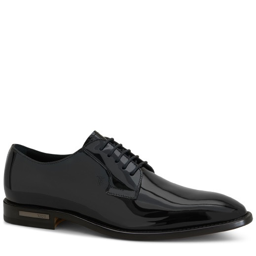 LACE-UP IN PATENT LEATHER